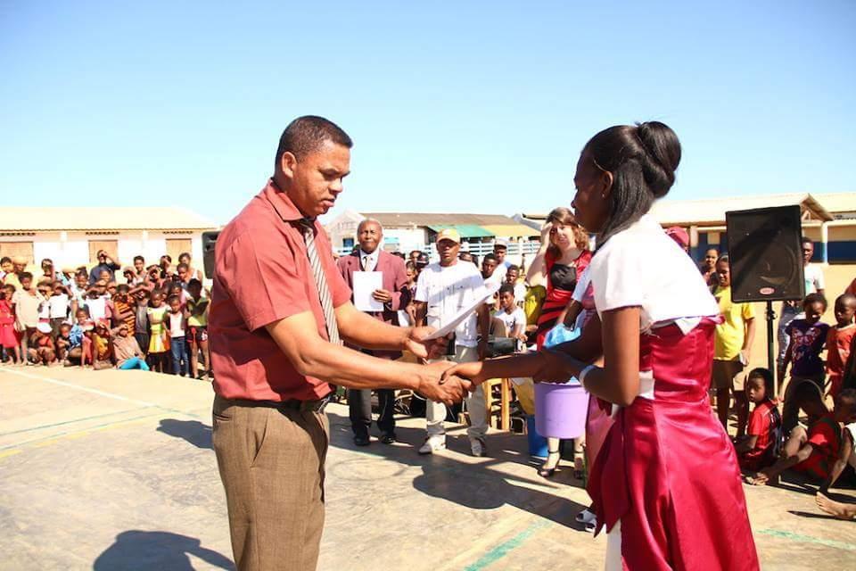 El Centro de Formación Profesional de Las Salinas celebra su primera promoción