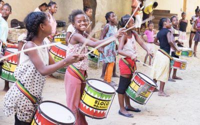 Los tambores suenan en Kenia por las mujeres y la infancia