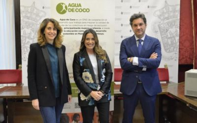 Agua de Coco recibe la Medalla de Plata de la Ciudad de Granada
