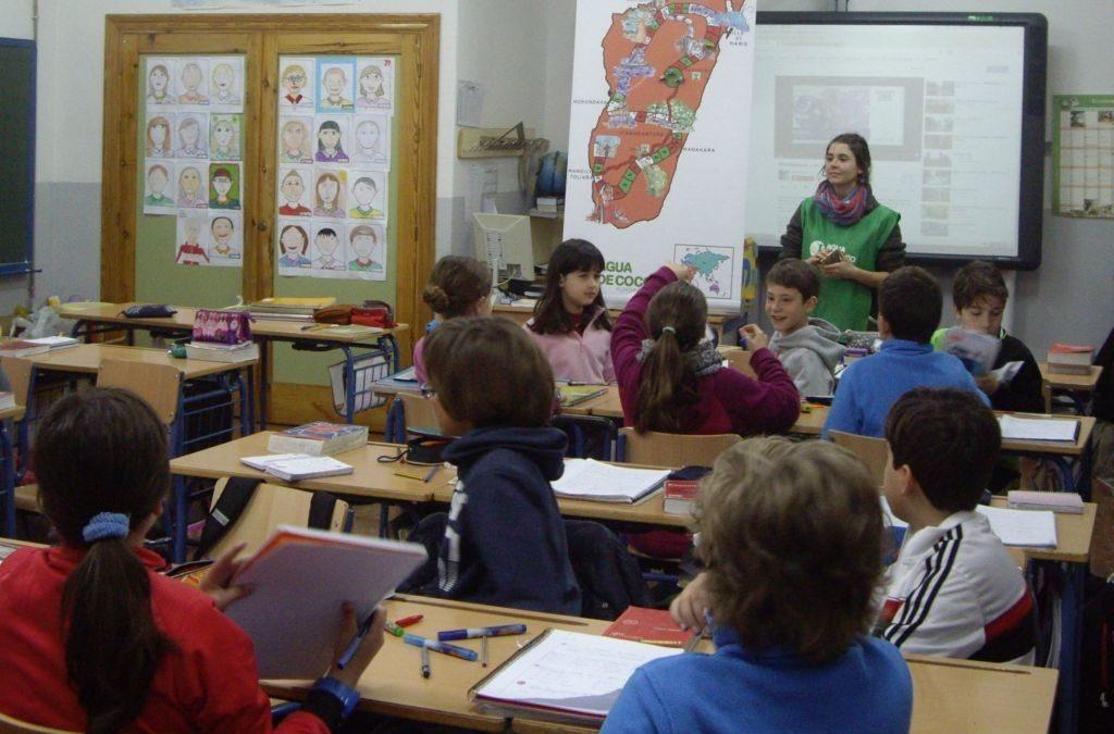 Buscamos voluntariado Namana para sensibilización en escuelas de Granada
