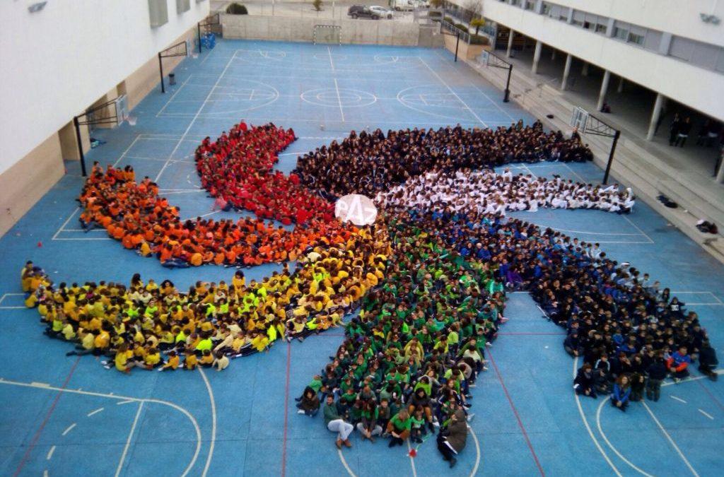Namana celebra el Día de la Paz y la no violencia.