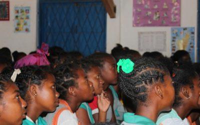 Jornada de sensibilización en el Día Mundial contra el SIDA en la escuela de las Salinas
