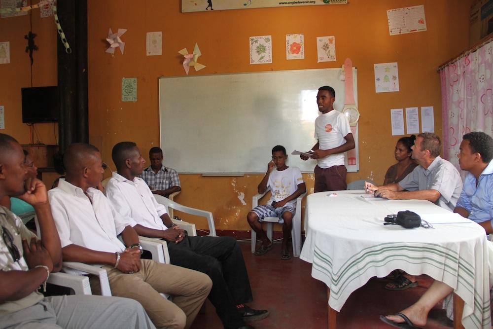 Trabajamos con las escuelas públicas de Tulear por la educación
