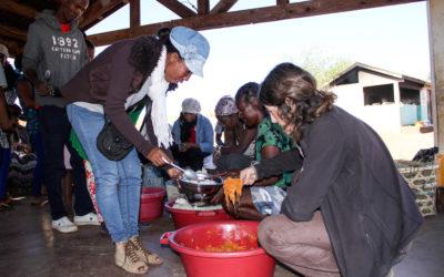 Los educadores de la Escuela de las Salinas visitan la Escuela de los Zafiros