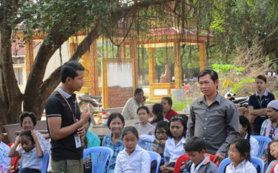 Talleres a madres y padres en Camboya