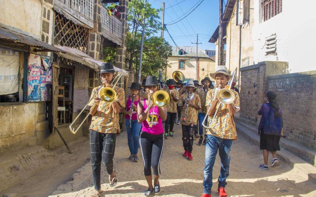 La Malagasy Marching Band visita Fianarantsoa en su 13ª gira promocional