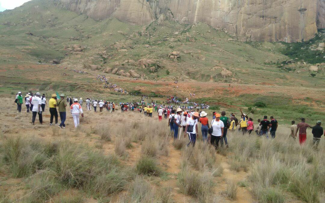 Nuestras estudiantes participan en el Día de la Reforestación