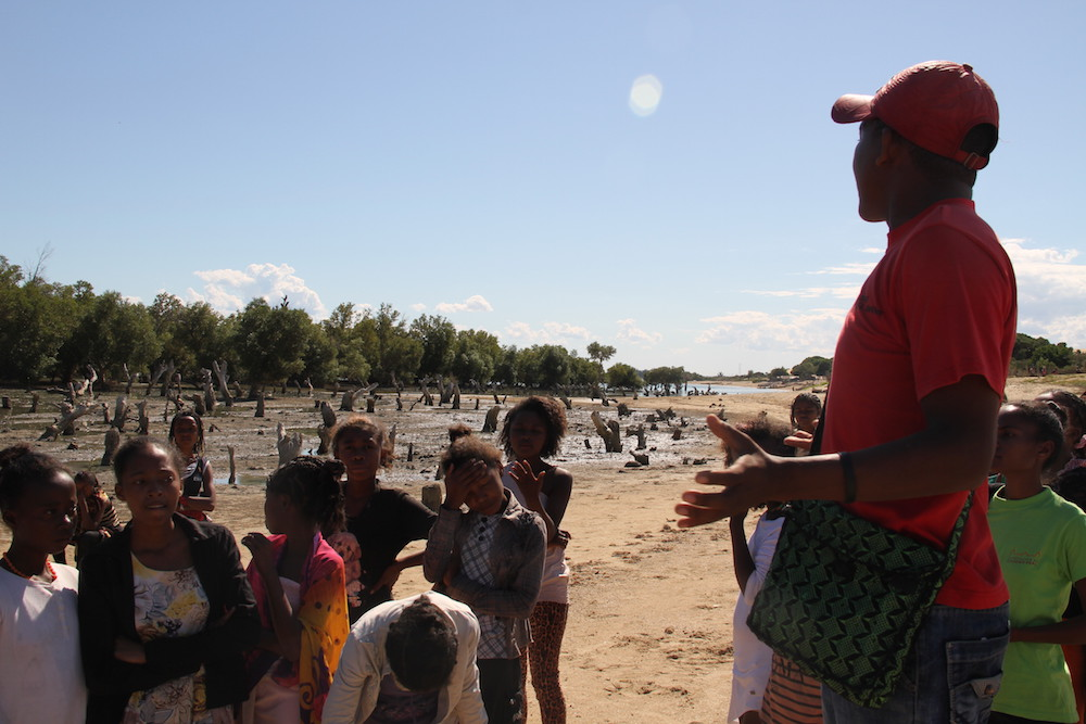 La Malagasy Gospel visite le site de réhabilitation de la mangrove