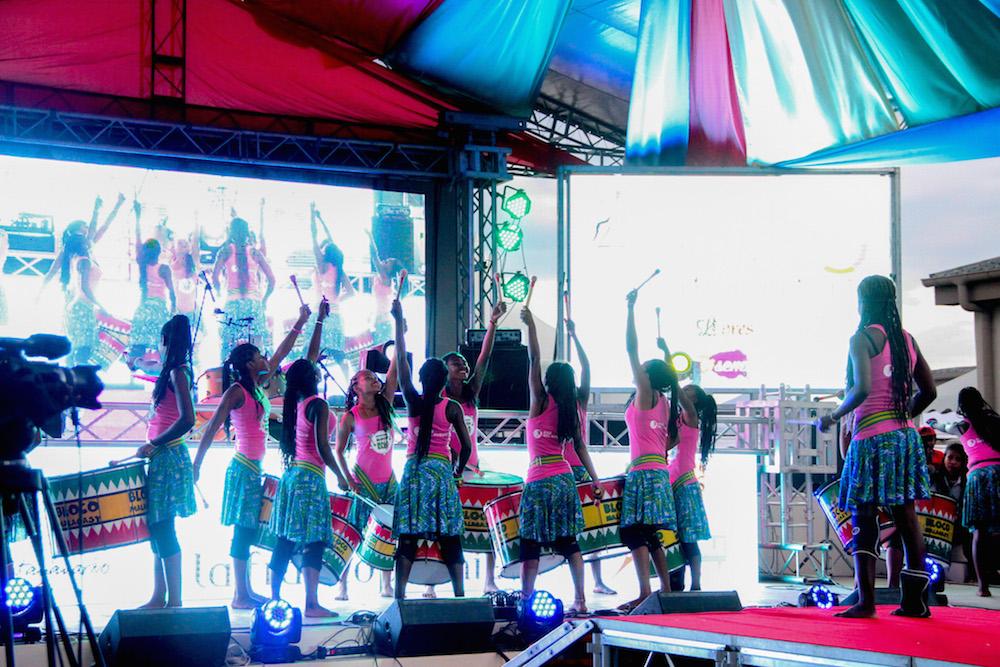 De retour à Tuléar, les jeunes filles de la Bloco Malagasy partagent leur succès au XVIème Sommet de la Francophonie