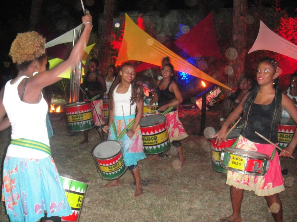 Tout le monde a vibré à l'écoute des tambours de la Bloco Malagasy